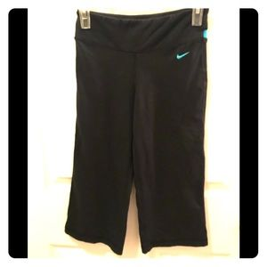 Nike Other - Nike Dri-Fit cropped Leggings, Size XS.